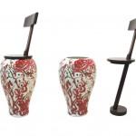 Tabouret et vase en bois et porcelaine pour une création originale.