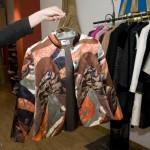 丝绸质地的女士外套