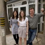 Wei, Sarah和Tom在位于胡同报房的BESPOKE-BEIJING办公室门口