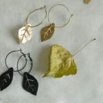 Boucles d'oreilles feuilles d'or et feuilles noires de la collections Les Fleurs de la Route de la Soie.