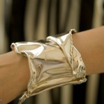 Folded silver bracelet Nicely Made in China by Nicolas Favard.