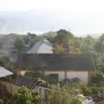 Le village de Shangri La perché dans les montagnes du Yunnan dans le sud-est de la Chine.