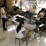 Le studio de Suren Handmade où tout est dessiné et les petits objets produits.