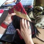 Alison aime mélanger différents matériaux.