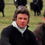 Julian Wilson et Aaron Pattillo les créateurs de Khunu avec en fond les yaks producteurs de la précieuse laine.