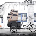 Le tricycle Sanitov avec un chargement. Il peut transporter jusqu'à 150kg, conducteur inclus.