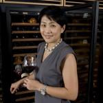 Judy Leissner, la PDG de Grace Vineyard photographiée chez elle à Hong Kong.
