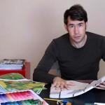 维也纳出生、现居北京的地毯设计师Florian Pucher在家创作新作品。