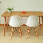 Smartwood's chairs and table are made of American oak.